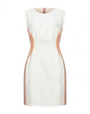 Короткое платье BETTY BLUE. Цвет: слоновая кость