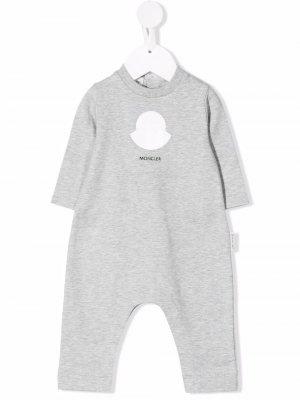 Пижама с логотипом Moncler Enfant. Цвет: серый