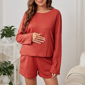 Для беременных вязаный Топ & регулируемый с эластичной талией Шорты Домашний комплект SHEIN. Цвет: розово-красный