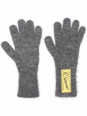 Logo-patch wool-blend gloves Raf Simons. Цвет: серый