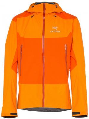 Arcteryx куртка Beta с капюшоном Arc'teryx. Цвет: оранжевый