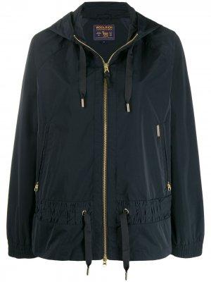 Куртка с капюшоном Woolrich. Цвет: синий