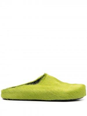 Фактурные слиперы Marni. Цвет: зеленый